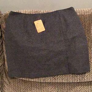 W) Women's brand new Express Skirt, never worn
